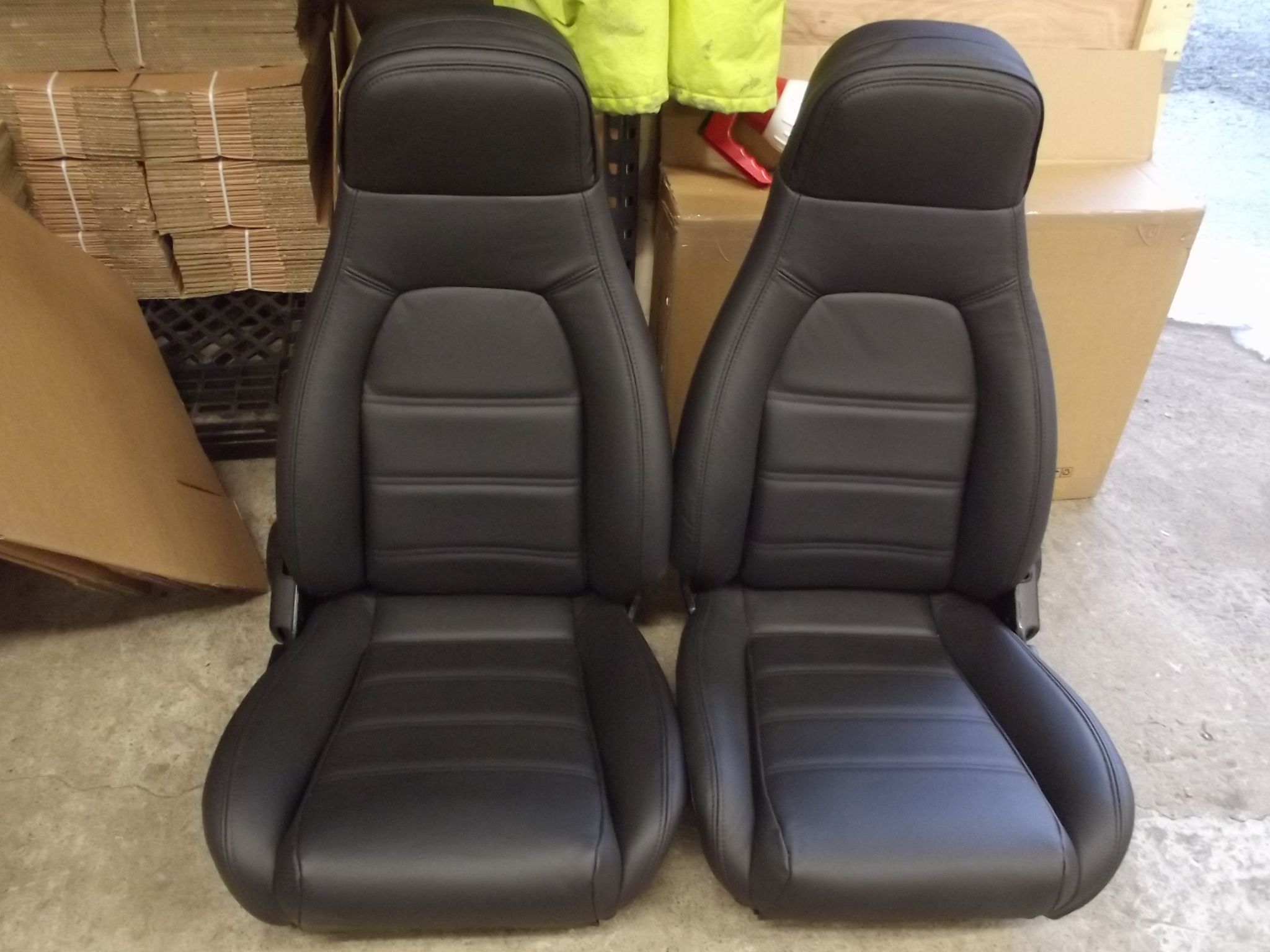 seats mazda mx5 pair in new black leather high back mk1
