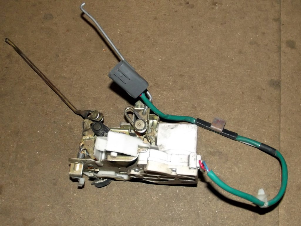 Door latch mechanism, l/h, Mazda MX-5 mk2, left hand, with central locking  solenoid, USED